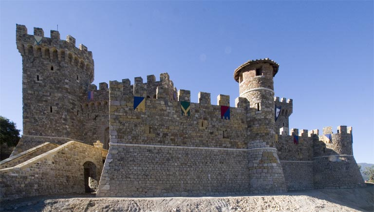 Castello di Amorosa (Image courtesy of Wikipedia)