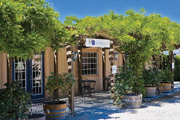 Exterior view of the Reserve Room at La Rochelle Winery  (image courtesy of .touringandtasting.com)
